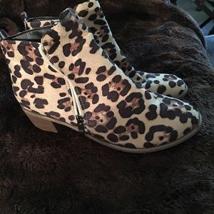 Boots ankle new no tags